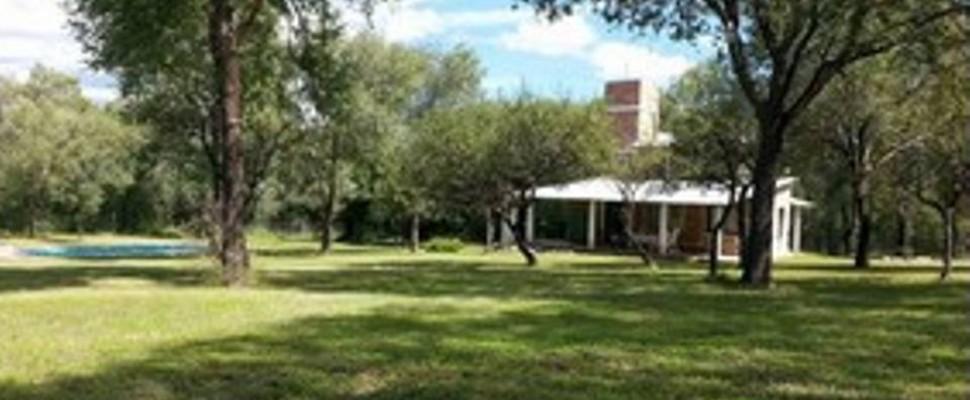 Casa de Campo en Villa Parque El Peñón Este