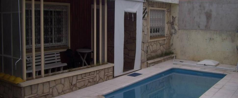 Casa c/ departamento y Piscina a 300 mts de Av. Eden en La Falda
